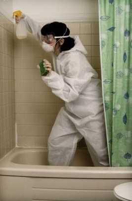 методы предосторожности при чистке ванны