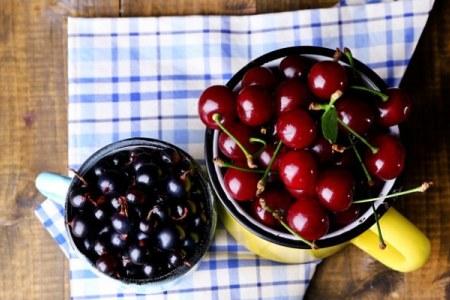 ягоды в кружках