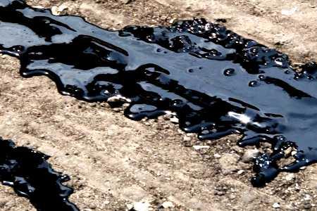 разлитый нефтепродукт