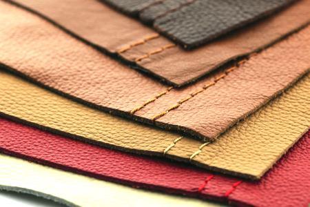 Жирное пятно на кожаной сумке, одежде и обуви: методы выведения